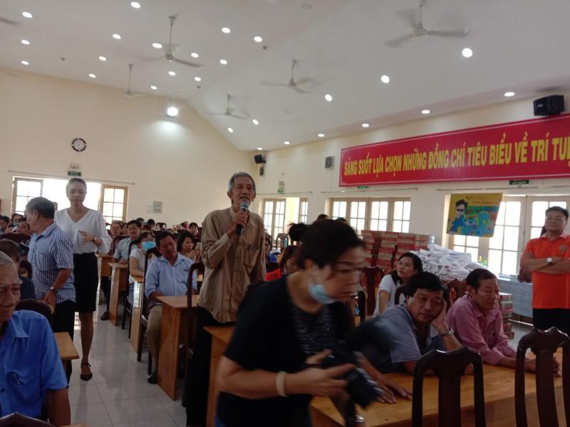 Hàng trăm người dân được tư vấn trong ngày hội pháp luật - ảnh 5