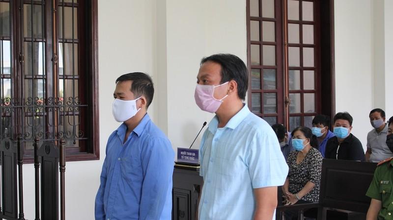 Phát thanh trực tiếp xét xử 2 cựu cán bộ sai phạm ở Bình Chánh - ảnh 1