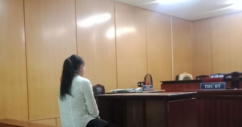 Nữ giúp việc giấu ma túy trong áo ngực lãnh 15 năm tù - ảnh 1