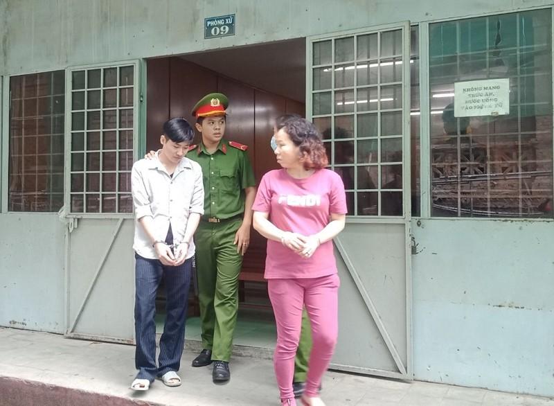 Cặp đôi 'rổ rá cạp lại' cùng hầu tòa vì ma túy - ảnh 1