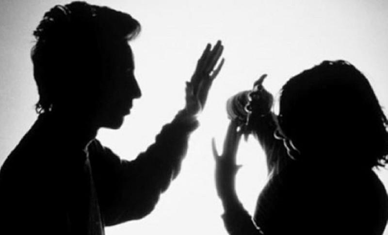 Truy tố người cha bạo hành con ruột đến nguy kịch  - ảnh 1