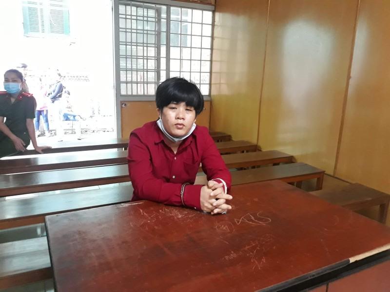 Nữ bị cáo lãnh 20 năm tù vì giao nhận hàng cấm  - ảnh 1