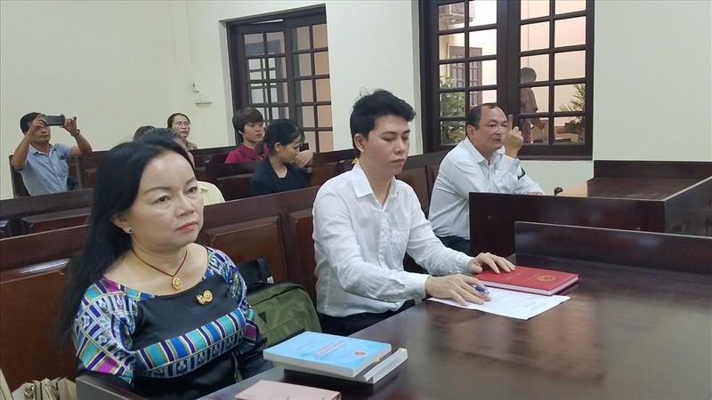 Kịch tính phiên xử ca sĩ Đàm Vĩnh Hưng bị kiện - ảnh 2