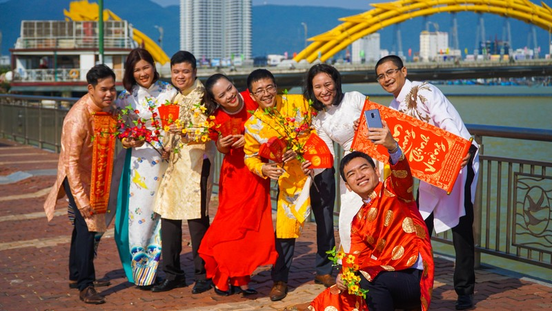 Phố phường Đà Nẵng rực rỡ trước Tết Tân Sửu - ảnh 5