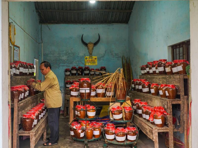 Đà Nẵng: Ông Nghĩa Bí thư ủ gần 1.000 ché rượu cần - ảnh 2