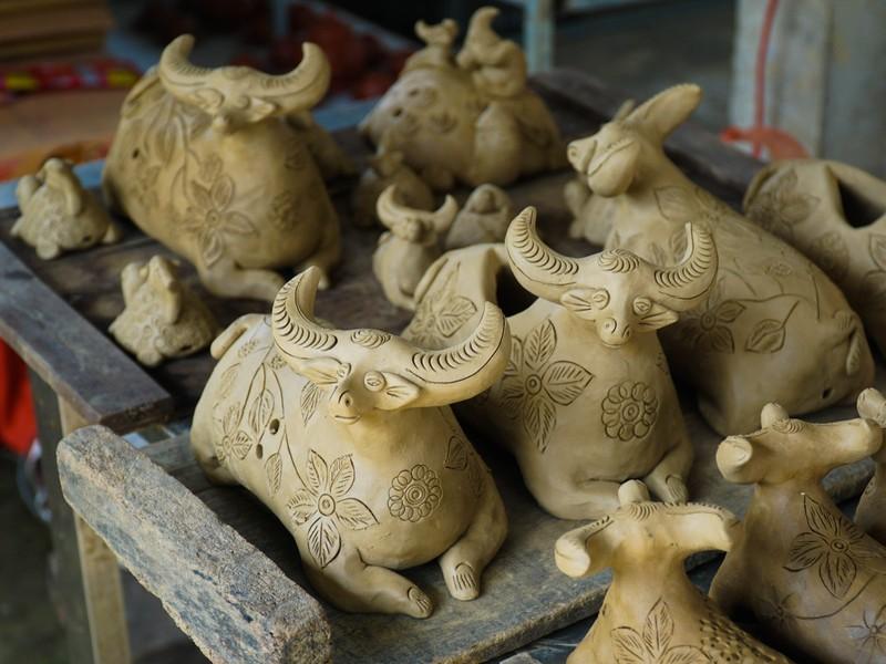 Làng gốm 500 tuổi tất bật nặn trâu bán Tết - ảnh 3