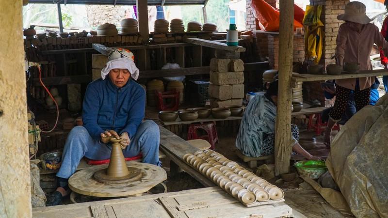 Làng gốm 500 tuổi tất bật nặn trâu bán Tết - ảnh 7