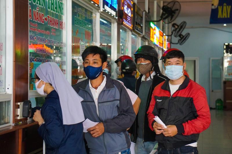 Đà Nẵng: Khách lo dịch, trả vé hàng loạt tại nhà ga, bến xe - ảnh 2