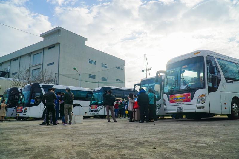 79 chuyến xe miễn phí đưa 3.000 công nhân về quê đón Tết - ảnh 1