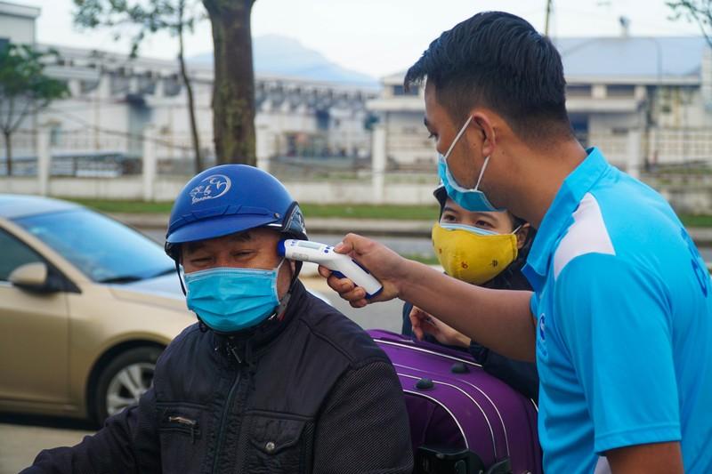 79 chuyến xe miễn phí đưa 3.000 công nhân về quê đón Tết - ảnh 4