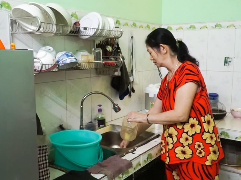 Dân Đà Nẵng khổ sở vì thiếu nước nhiều ngày - ảnh 1