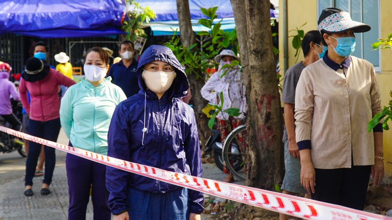 Đà Nẵng: Xét nghiệm hơn 500 tiểu thương liên quan BN 2989 - ảnh 4
