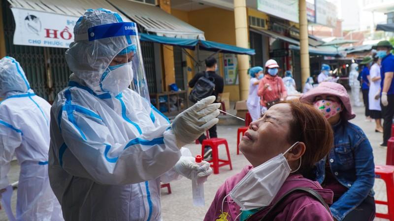 Đà Nẵng: Xét nghiệm hơn 500 tiểu thương liên quan BN 2989 - ảnh 6