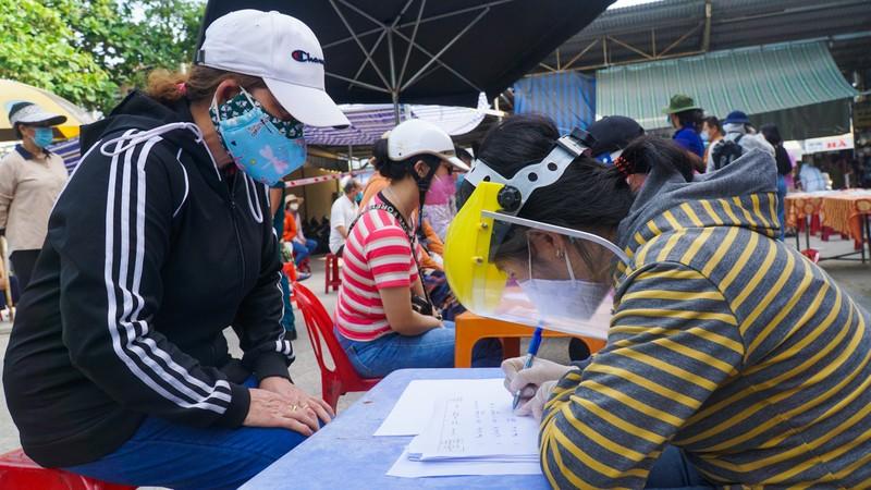 Đà Nẵng: Xét nghiệm hơn 500 tiểu thương liên quan BN 2989 - ảnh 3