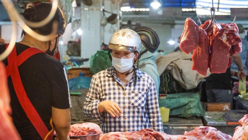 Đà Nẵng: Đường phố vắng vẻ, chợ dư hàng trước ngày 'cấm ra đường' - ảnh 6