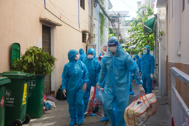 1 gia đình 5 người mắc COVID, Đà Nẵng di dời dân 17 hộ dân tránh dịch - ảnh 3