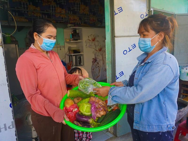 Chủ trọ ở Đà Nẵng miễn giảm tiền phòng, hỗ trợ đồ ăn cho người lao động - ảnh 1