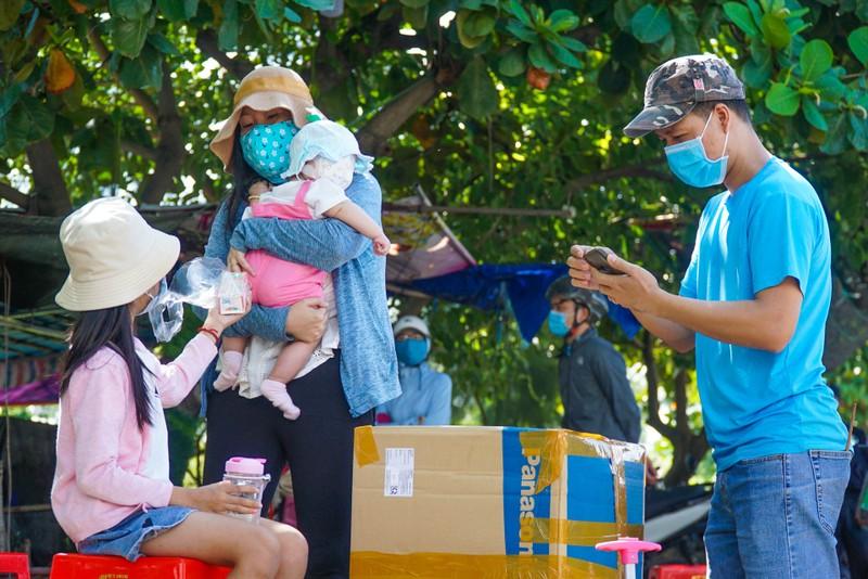 Đà Nẵng đón hơn 17.000 giáo viên, học sinh trở lại TP - ảnh 2