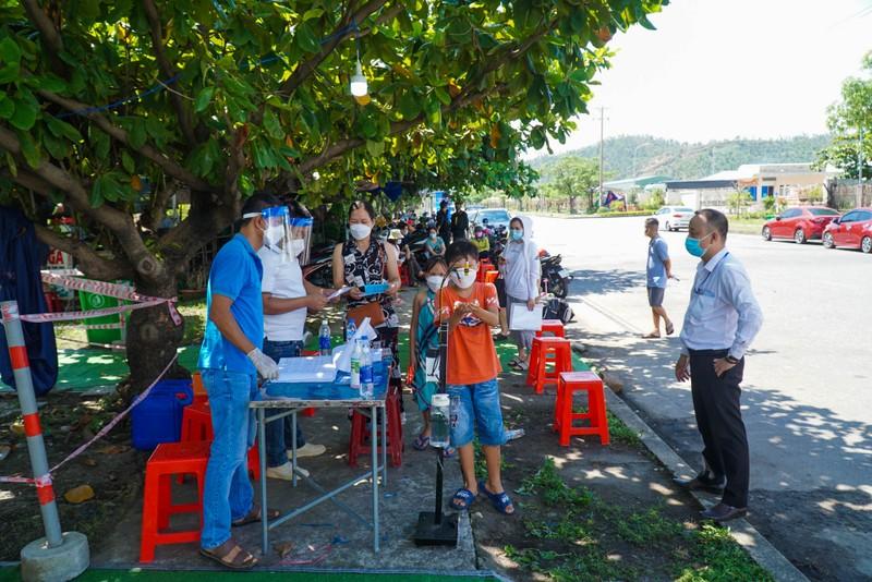 Đà Nẵng đón hơn 17.000 giáo viên, học sinh trở lại TP - ảnh 1