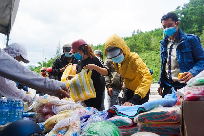 Đà Nẵng: Phiên chợ 0 đồng tiếp sức người dân về quê - ảnh 1