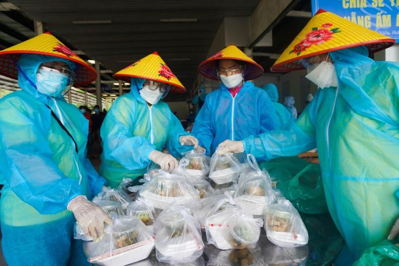 Đà Nẵng: Phiên chợ 0 đồng tiếp sức người dân về quê - ảnh 4