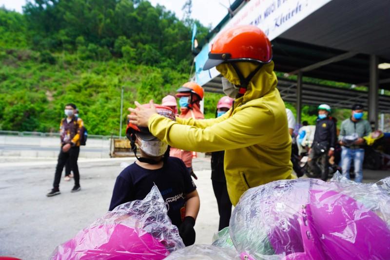 Đà Nẵng: Phiên chợ 0 đồng tiếp sức người dân về quê - ảnh 6