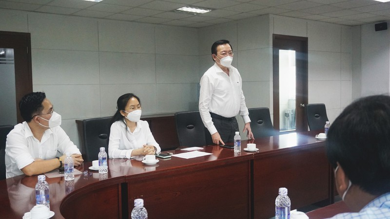 Ban Tuyên giáo Thành ủy TP.HCM đến thăm báo Pháp Luật TP.HCM - ảnh 3