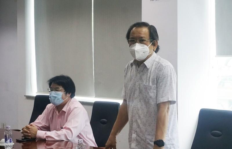 Ban Tuyên giáo Thành ủy TP.HCM đến thăm báo Pháp Luật TP.HCM - ảnh 5