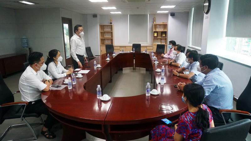 Ban Tuyên giáo Thành ủy TP.HCM đến thăm báo Pháp Luật TP.HCM - ảnh 1