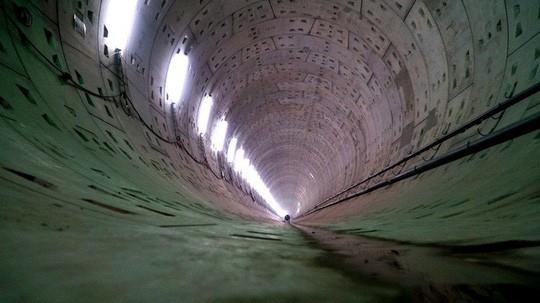 Cận cảnh bên trong đường hầm tuyến Metro đầu tiên của TPHCM - Ảnh 11.