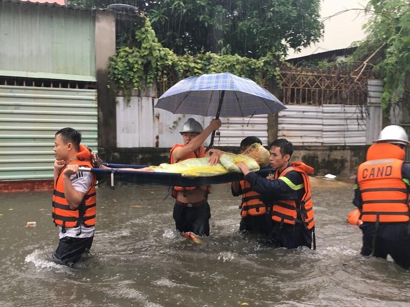 Toàn bộ học sinh, sinh viên Đà Nẵng phải nghỉ học do mưa lớn - ảnh 4