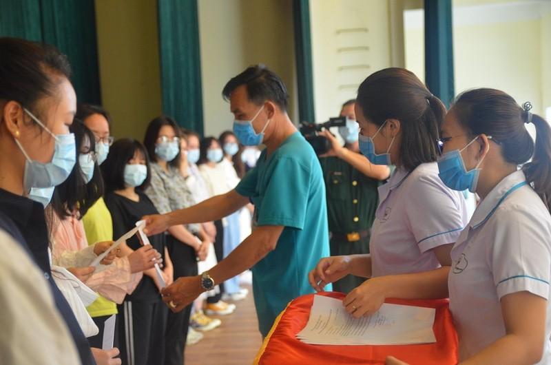 57 người Việt về từ Daegu được về nhà sau cách ly  - ảnh 1