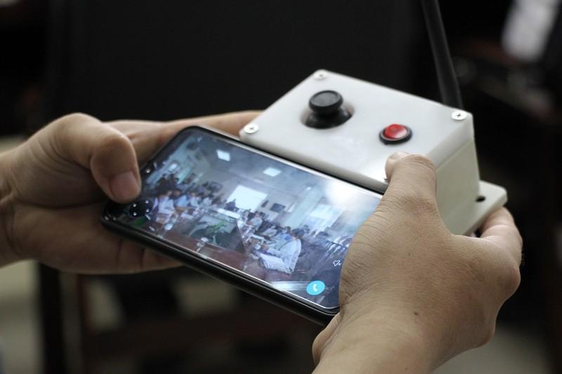 Đà Nẵng thử nghiệm robot phục vụ trong khu cách ly  - ảnh 2