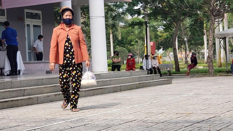 Cây 'ATM gạo' đặc biệt của người lao động nghèo Đà Nẵng - ảnh 1