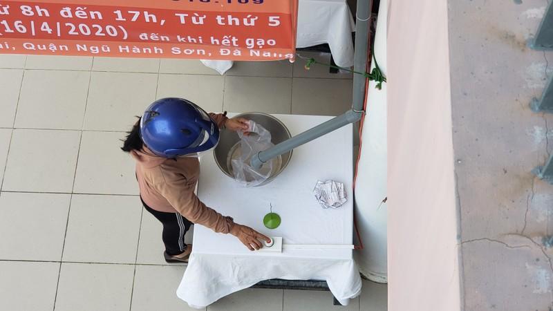 Cây 'ATM gạo' đặc biệt của người lao động nghèo Đà Nẵng - ảnh 5