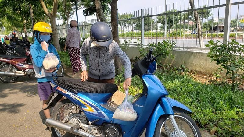 Cây 'ATM gạo' đặc biệt của người lao động nghèo Đà Nẵng - ảnh 8