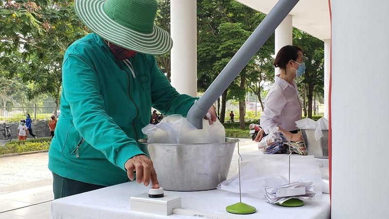 Cây 'ATM gạo' đặc biệt của người lao động nghèo Đà Nẵng - ảnh 2