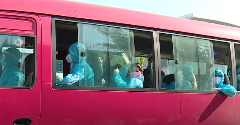Hơn 200 người về Đà Nẵng từ châu Âu âm tính với COVID-19 - ảnh 1