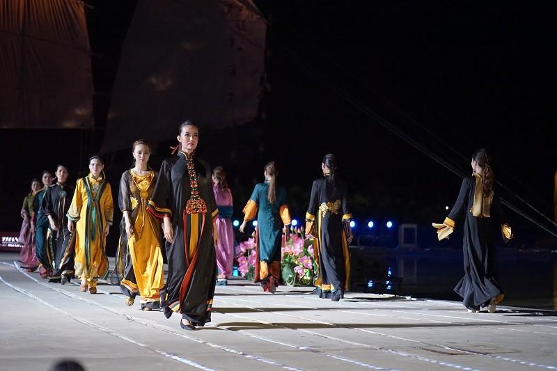 Lễ hội Áo dài chưa từng có được tổ chức tại Hội An - ảnh 1