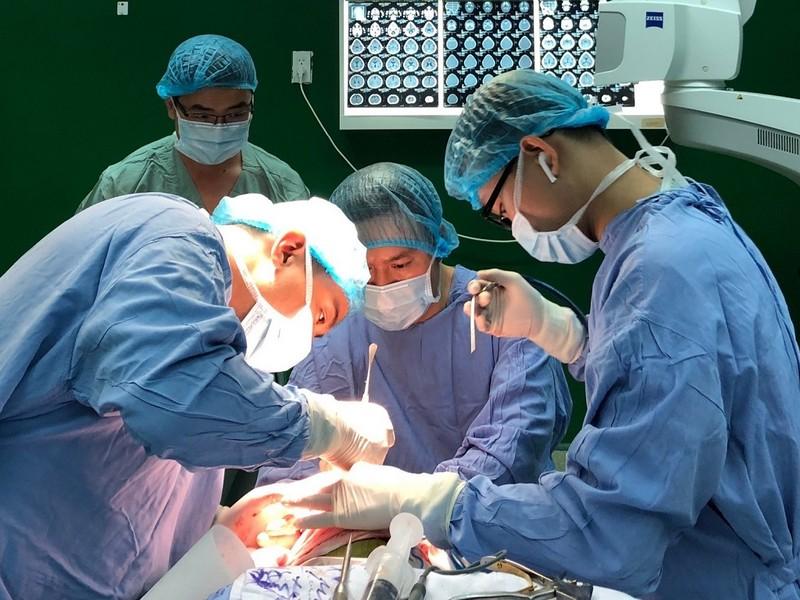 1 bệnh nhi ở Đà Nẵng mắc chứng hẹp sọ bẩm sinh hiếm gặp - ảnh 1