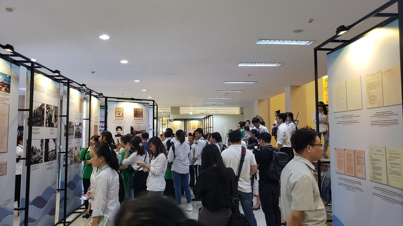 Nhiều tư liệu quý tại triển lãm ảnh đô thị biển Đà Nẵng - ảnh 1