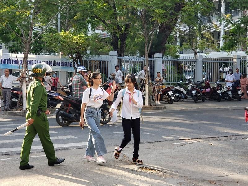 Hơn 13.000 HS Đà Nẵng chính thức bước vào kỳ thi lớp 10 - ảnh 5