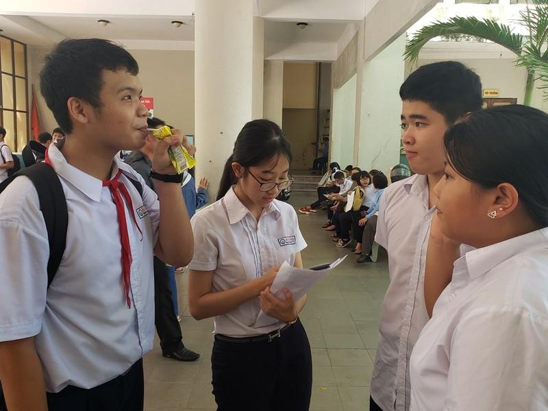 Thi lớp 10 ở Đà Nẵng: Học sinh thở phào với đề toán - ảnh 3