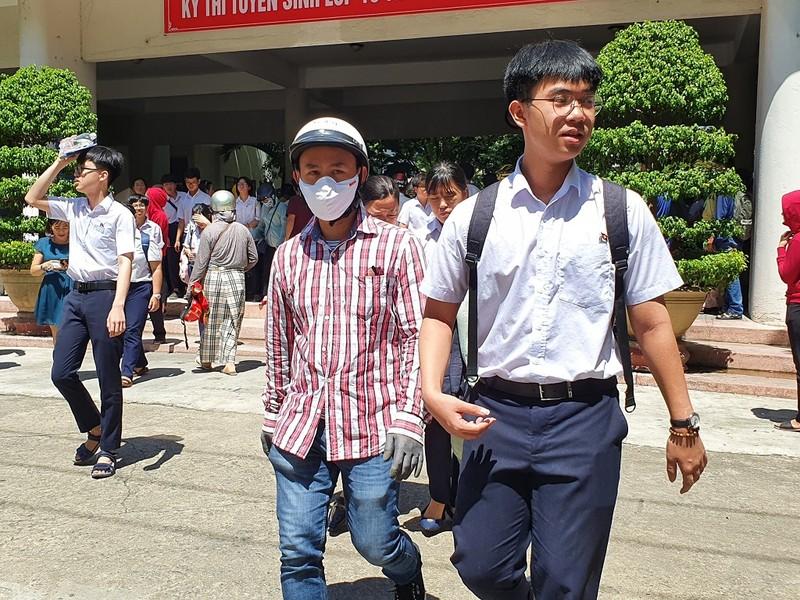 Thi lớp 10 ở Đà Nẵng: Học sinh thở phào với đề toán - ảnh 5