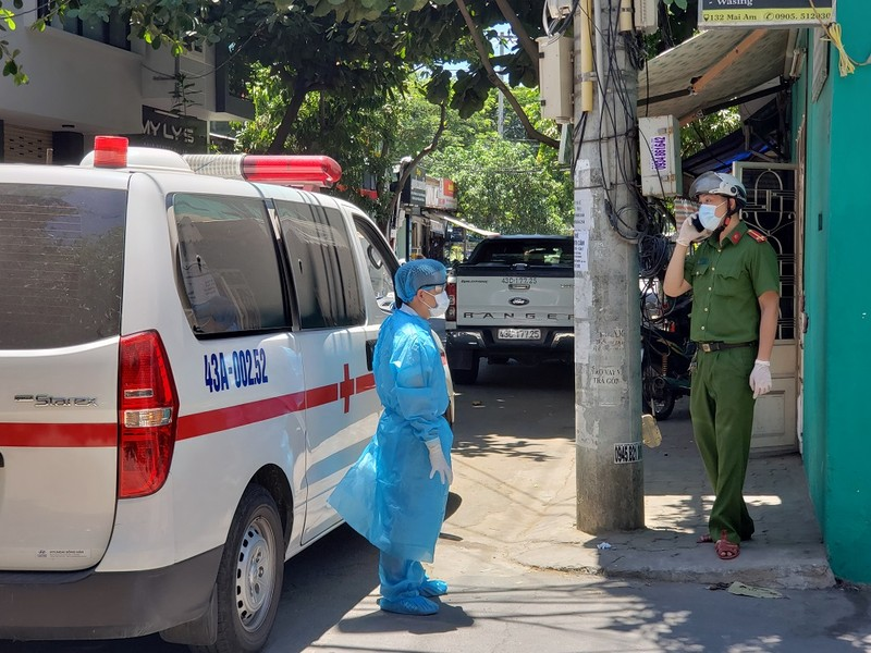 13 giờ chiều nay, cách ly Bệnh viện Đà Nẵng trong 14 ngày - ảnh 1