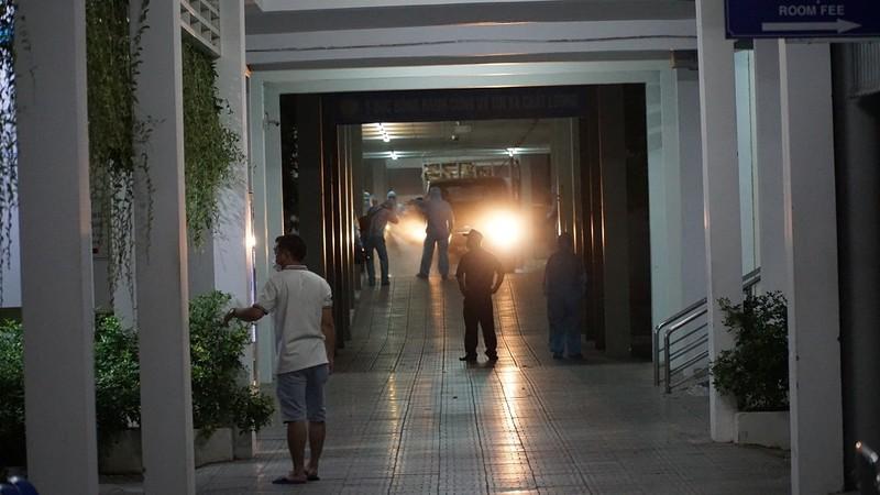 Quân đội phun khử trùng Bệnh viện C và Bệnh viện Đà Nẵng  - ảnh 5
