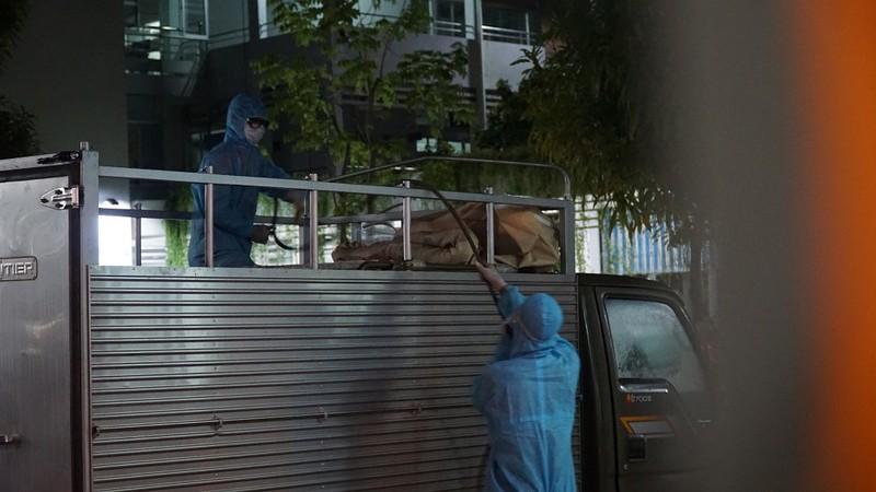 Quân đội phun khử trùng Bệnh viện C và Bệnh viện Đà Nẵng  - ảnh 2