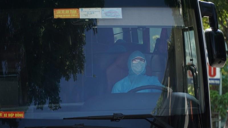Chuyển người nhà bệnh nhân tại Bệnh viện Đà Nẵng đi cách ly - ảnh 3
