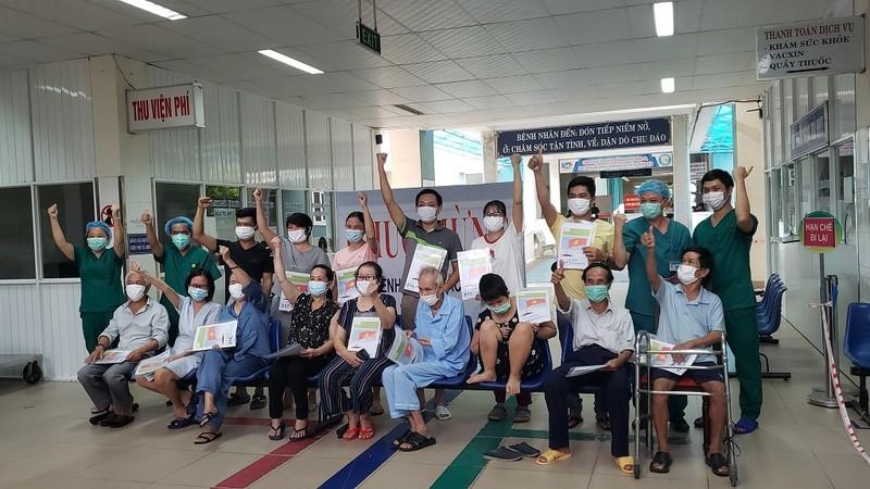 Thêm 16 bệnh nhân COVID-19 tại Đà Nẵng được xuất viện - ảnh 2