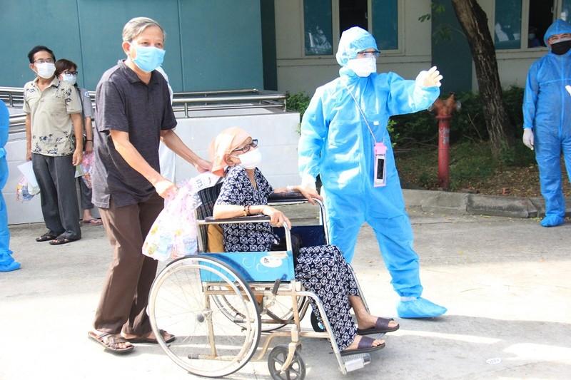 """Bệnh nhân COVID-19: 'Mong về nhà để thắp cho vợ nén nhang"""" - ảnh 3"""